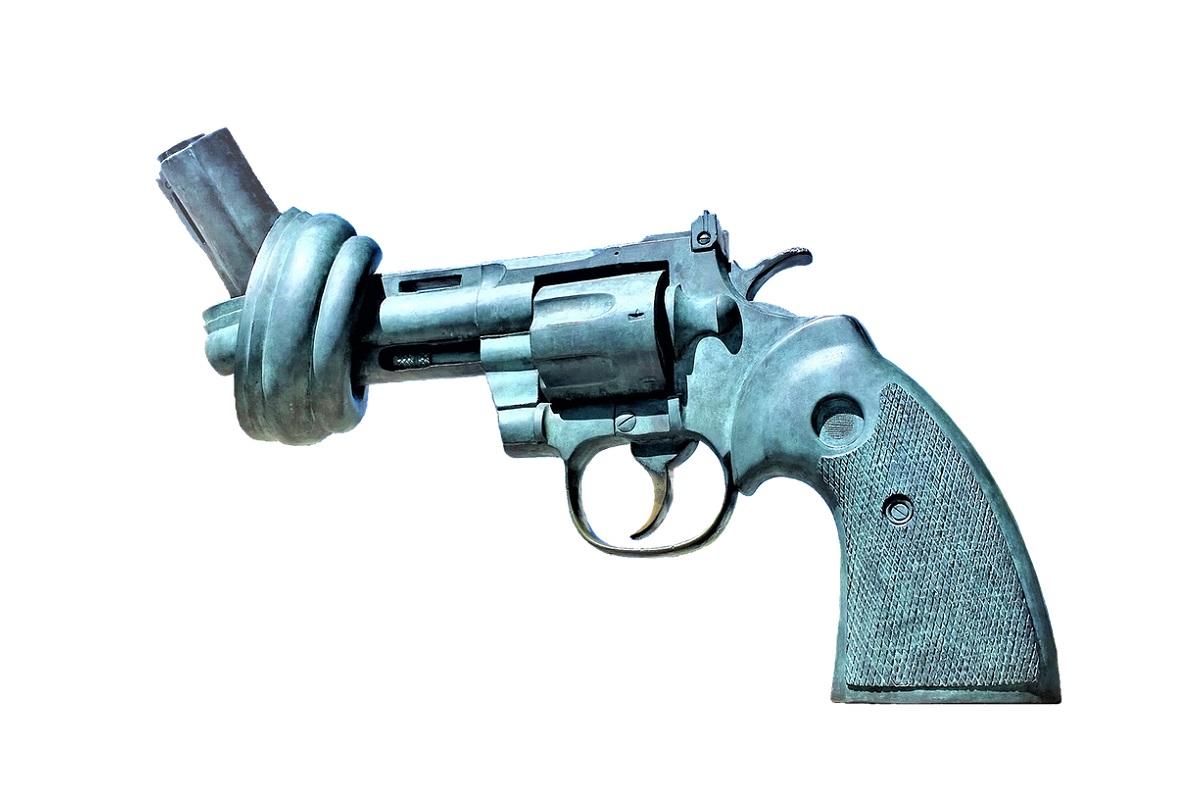 Pistole mit Knoten im Lauf. (Illustration: Zorro4, Pixabay.com; Creative Commons CC0)
