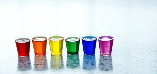 Drinks and Shots. (Foto: Andrew Jay, Unsplash.com)