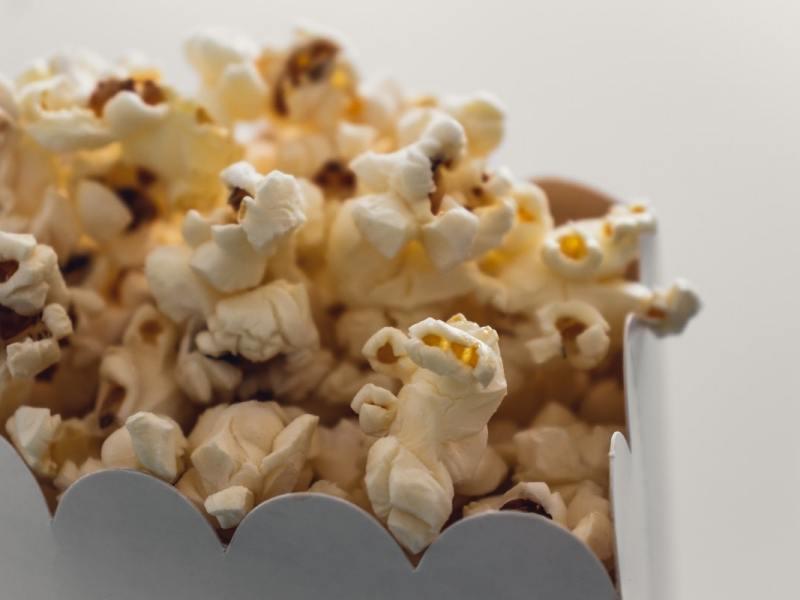 Ein Wort zum Eisberg: Kino, Popcorn und Tittytainment