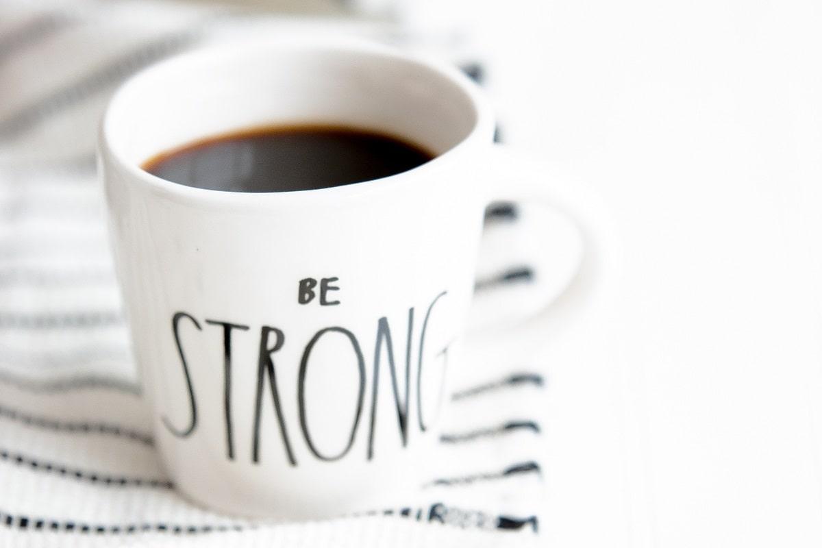 Starker Kaffee. (Foto: Heather Schwartz, Unsplash.com)