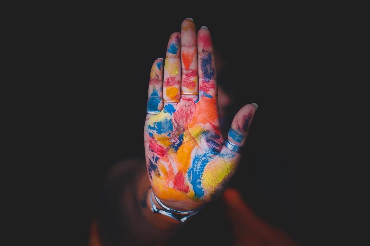 Farben als Ausdrucksmittel für Sprache. (Foto: Aashish R Gautam, Unsplash.com)
