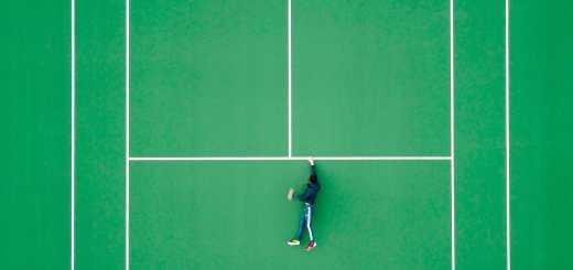 Mit einer Hand an der Linie. (Foto: Martin Sanchez, Unsplash.com)