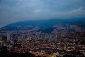 Die Skyline von Medellín in Kolumbien. (Foto: Juan Saravia, Unsplash.com)