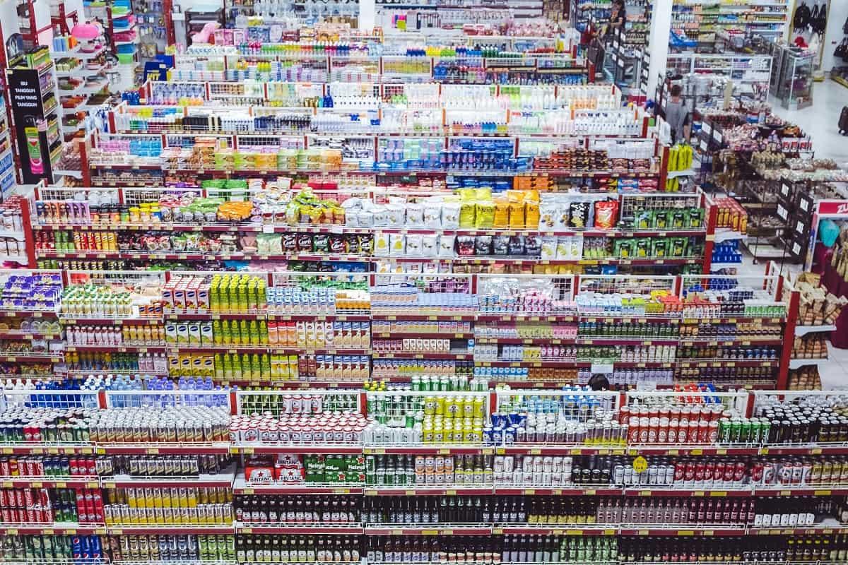 Konsum als Zeichen von Reichtum und Gier. Ein Einkaufszentrum in Indonesien. (Foto: Bernard Hermant, Unsplash.com)