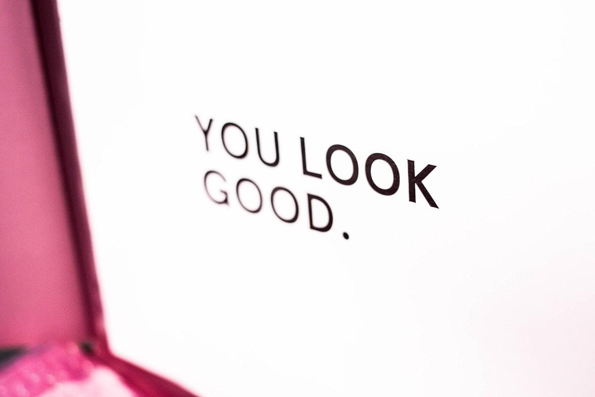 You look good ist auch eine Form der Orientierung. (Foto: Charisse Kenion, Unsplash.com)