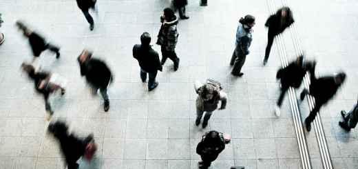 Kooperation und Individualismus stehen sich gegenüber. (Foto: Timon Studler, Unsplash.com)