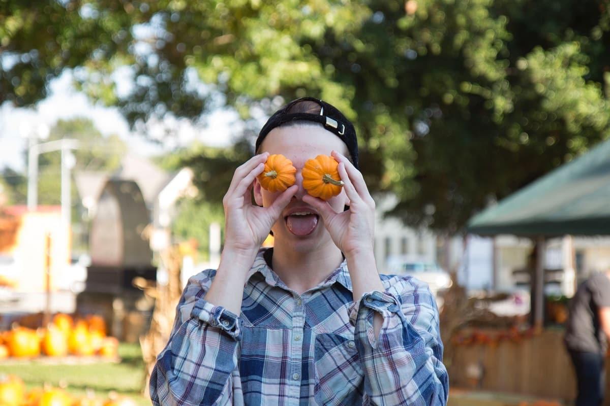 Satire ist ein Indikator für die Verhältnisse. (Symbolfoto: Katrina Berban, Unsplash.com)