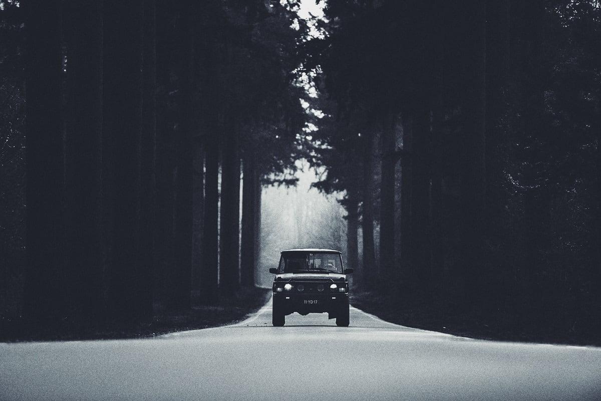 Vollbremsung auf einer Straße. (Foto: Jan Fillem, Unsplash.com)