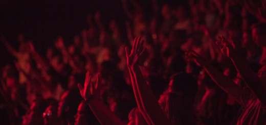 Ist das universelle Grundeinkommen auch ein Anlass zum Jubeln? (Symbolfoto: Kaleb Nimz, Unsplash.com)