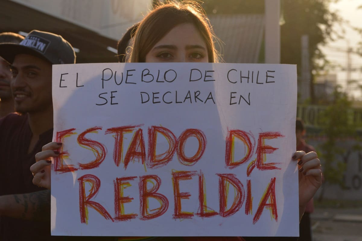 The people of Chile have declared a state of rebellion. (Photo: Bárbara Berríos C.; Roar Magazine)