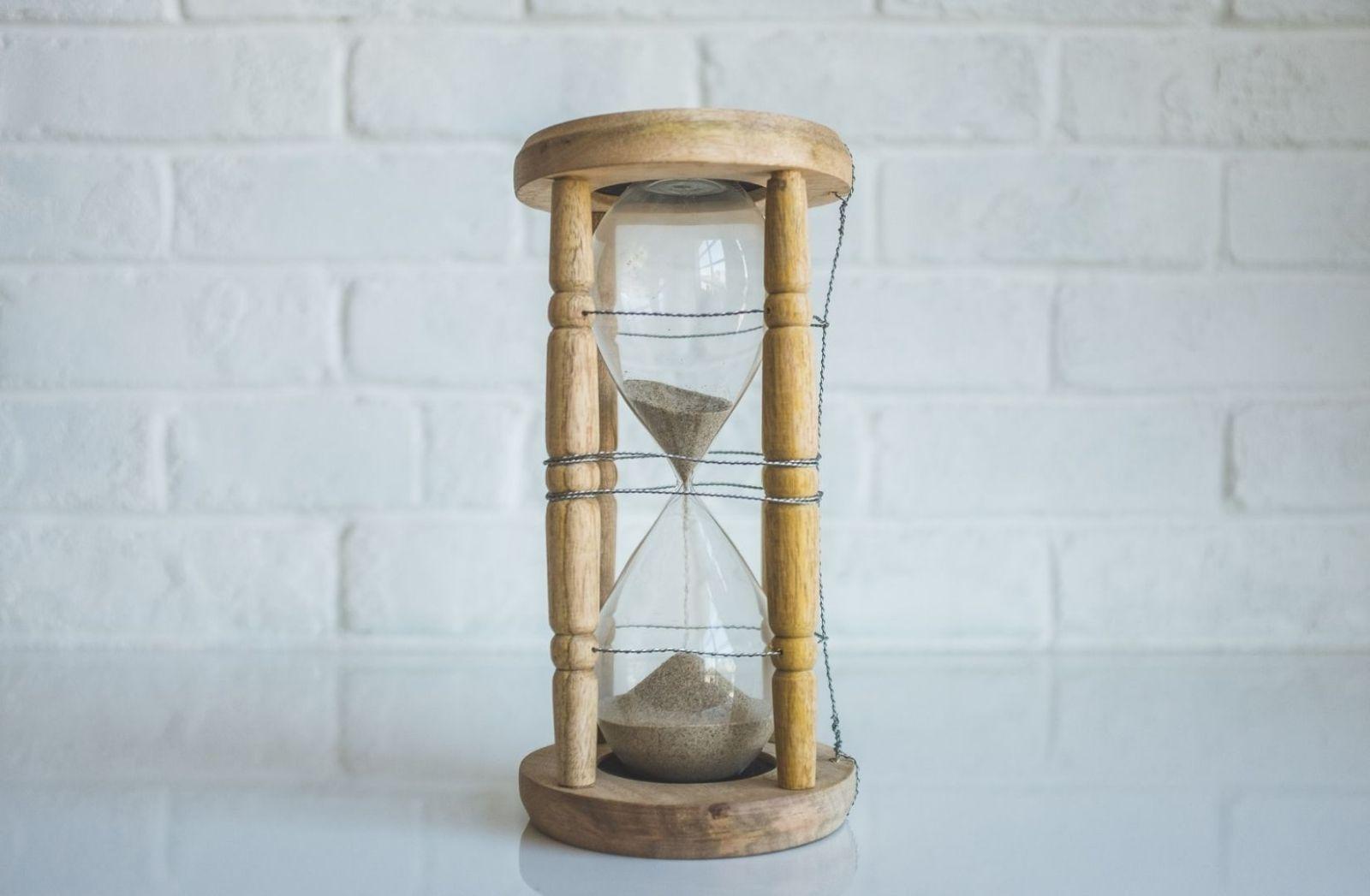 Die Krankheit unserer Zeit, ist das Verhältnis zur Zeit. (Foto: Neonbrand, Unsplash.com)