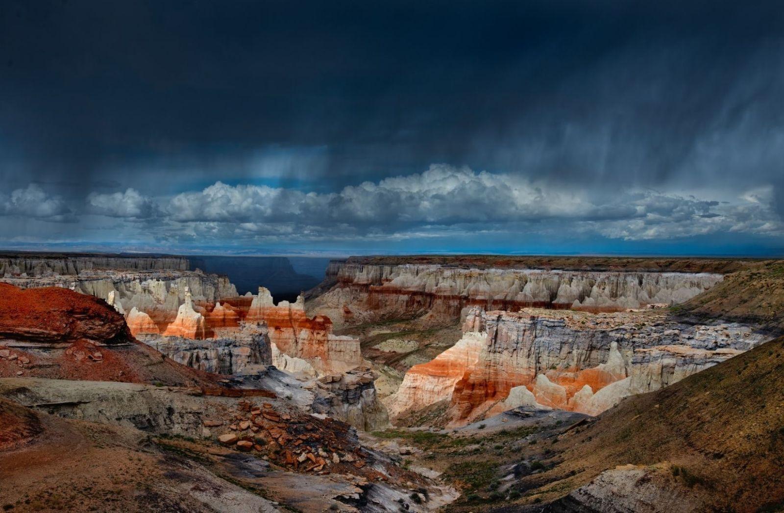 Der Schlagentanz gehört zu den Ritualen der Hopi. Sie leben auf dem Gebiet der Navajo Indian Reservation in Arizona. (Foto: John Fowler, Unsplash.com)