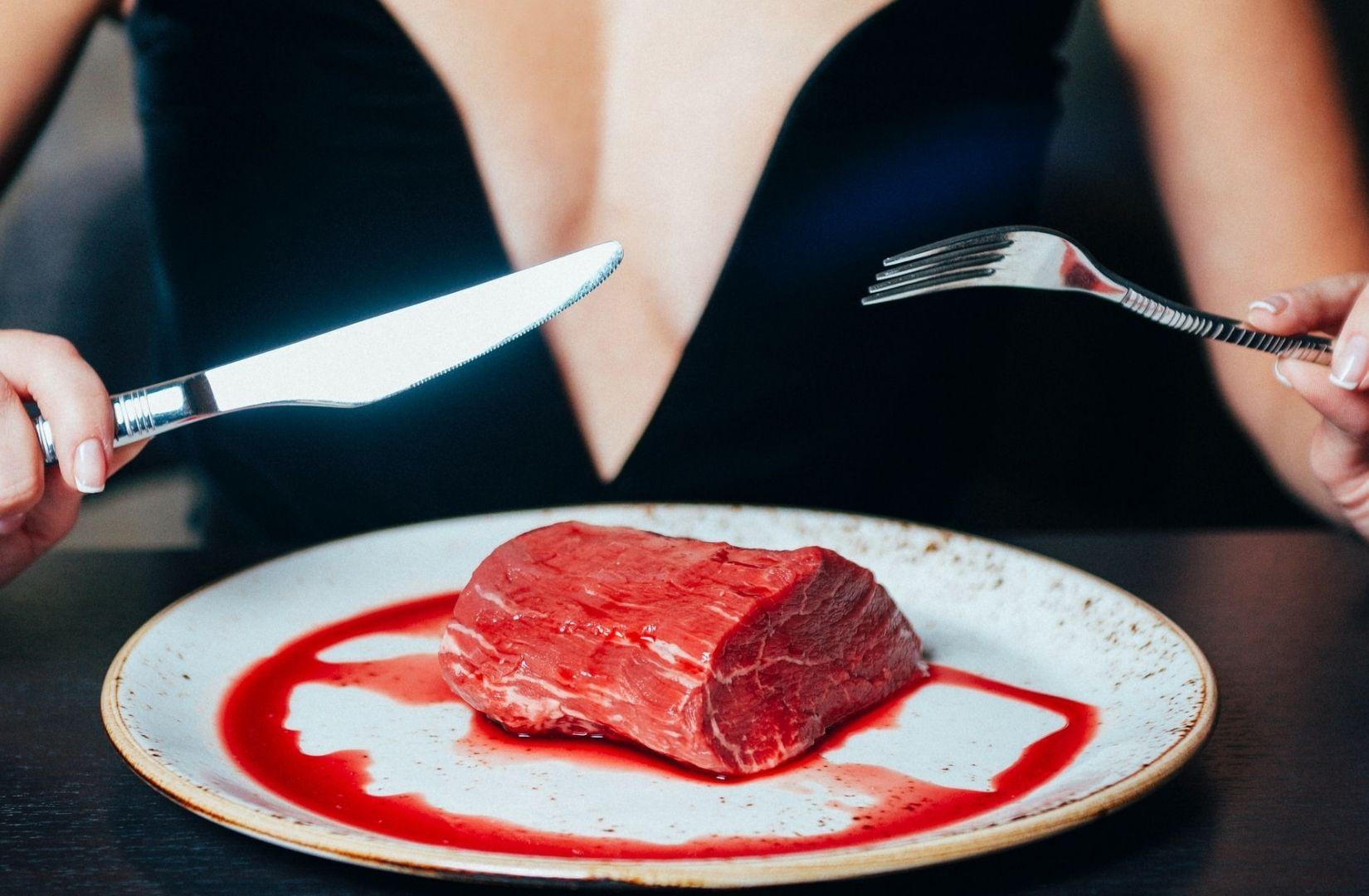 Hunger und Fleisch. (Foto: Vitaliy Zalishchyker, Unsplash.com)