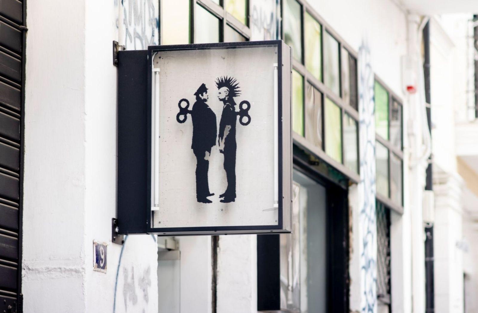 Rebellion oder Untergang symbolisch vereint. (Foto: Laura Adai, Unsplash.com)