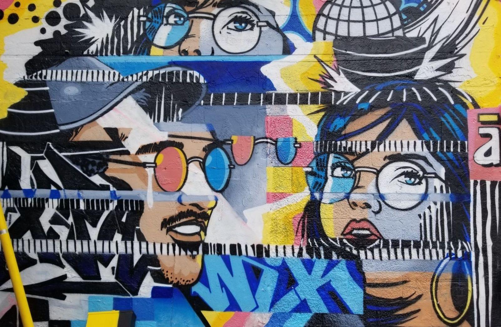Verraten und verkauft ist diese Streetart. Sie befindet sich auf einer Baustelle in Miami. (Foto: George Pagan III, Unsplash.com)