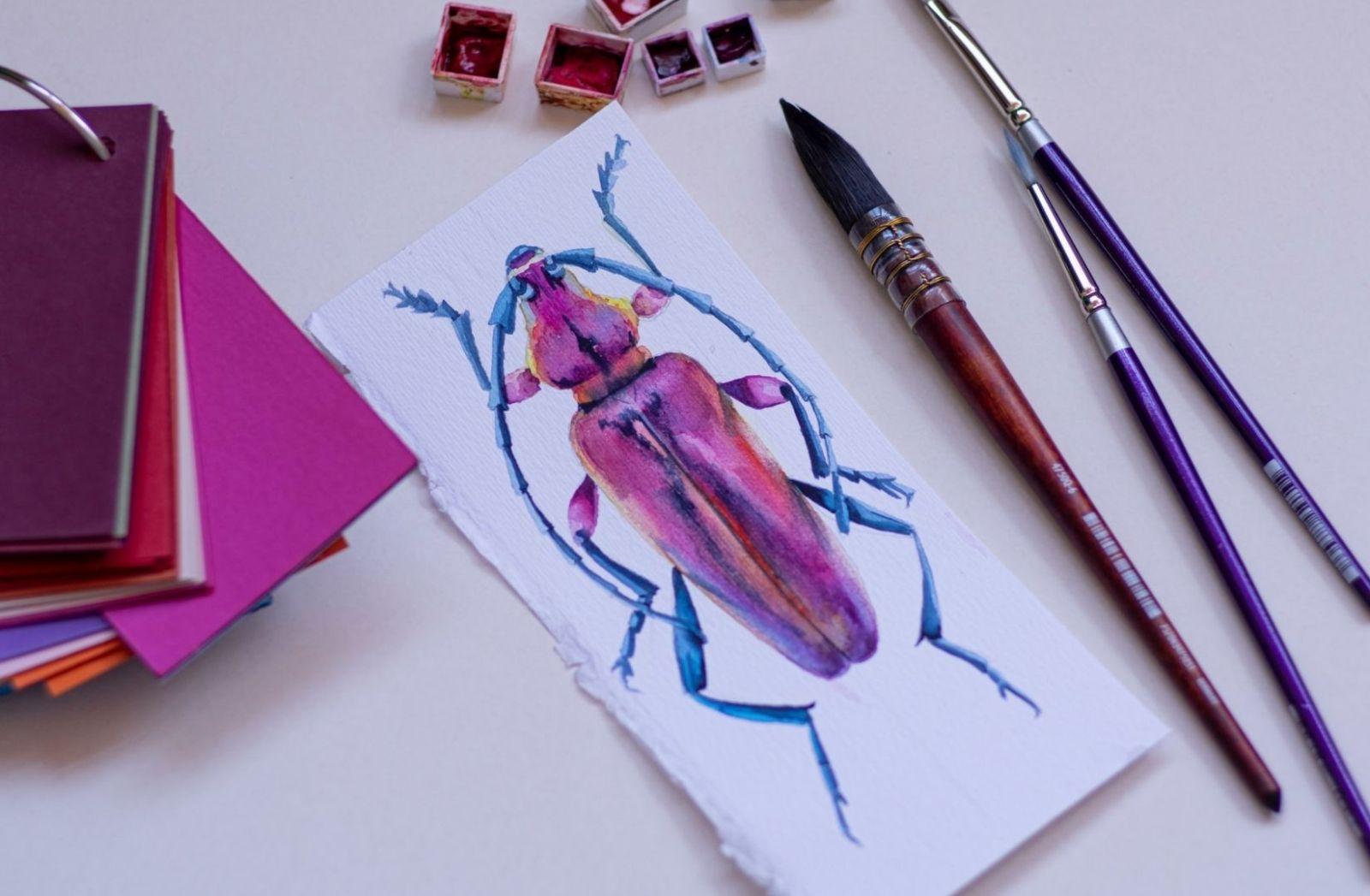 Ein Käfer gemalt mit Wasserfarbe. (Foto: Elena Mozhvilo, Unsplash.com)