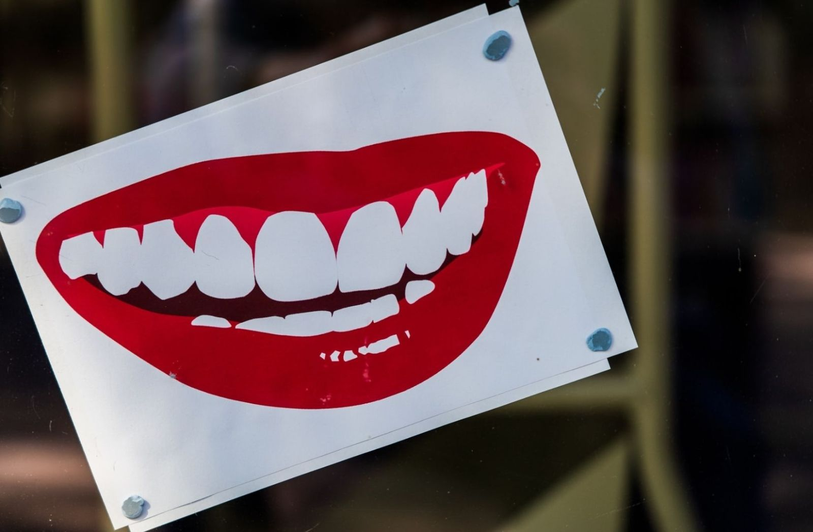Lächeln und Zähne zeigen. (Foto: Nick Fewings, Unsplash.com)