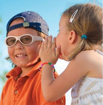 amblyz Brille zur Amblyopiebehandlung aufgesetzt