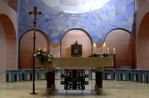 Eindrucksvolles Farbkonzept: Die Kirche Hl. Dreifaltigkeit in Gelsenkirchen