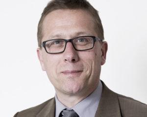 Nach Ansicht des Münsteraner Kirchenrechtlers Thomas Schüller sollte der Kölner Kardinal Rainer Maria Woelki dem Papst seinen Rücktritt anbieten.