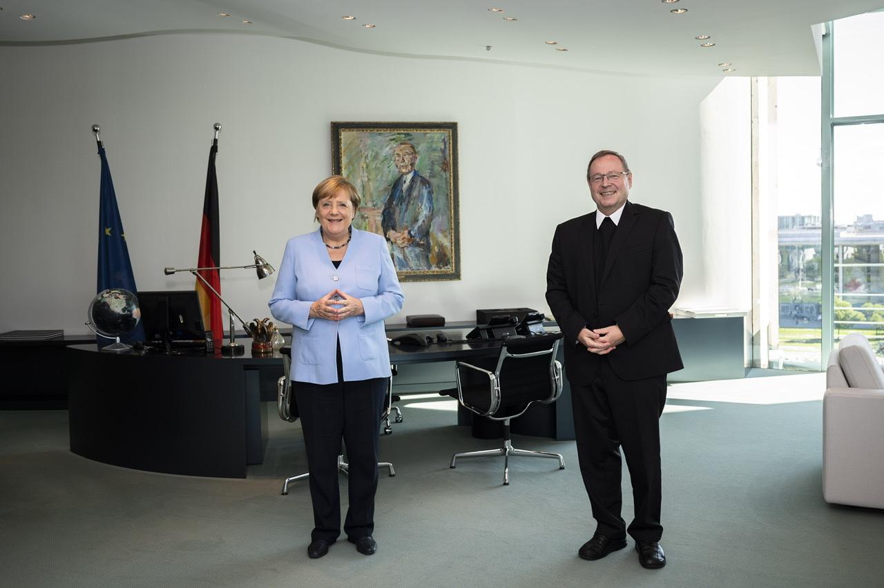 Begegnung der Bundeskanzlerin Angela Merkel mit Bischof Dr. Georg Bätzing, Vorsitzender der Deutschen Bischofskonferenz, am 3. September 2020 in Berlin
