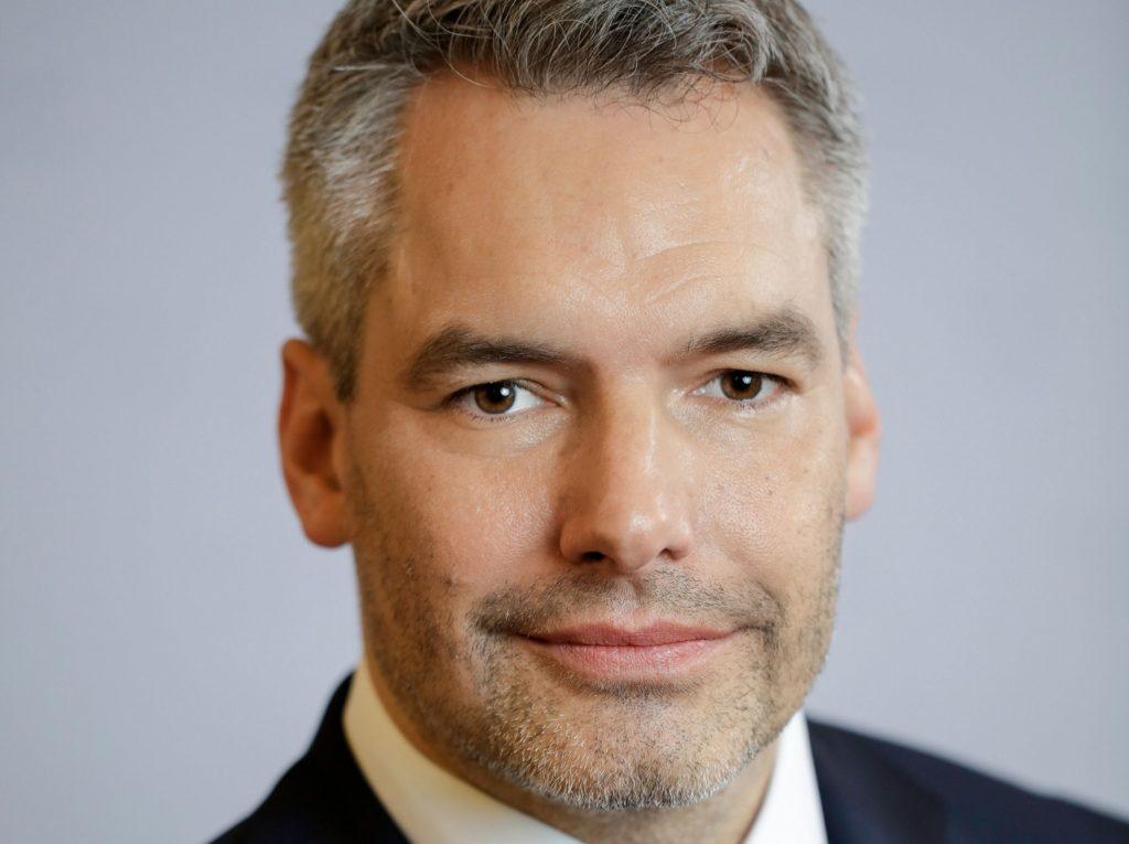 Karl Nehammer, Bundesminister für Inneres in Österreich, Schließung von Moscheen