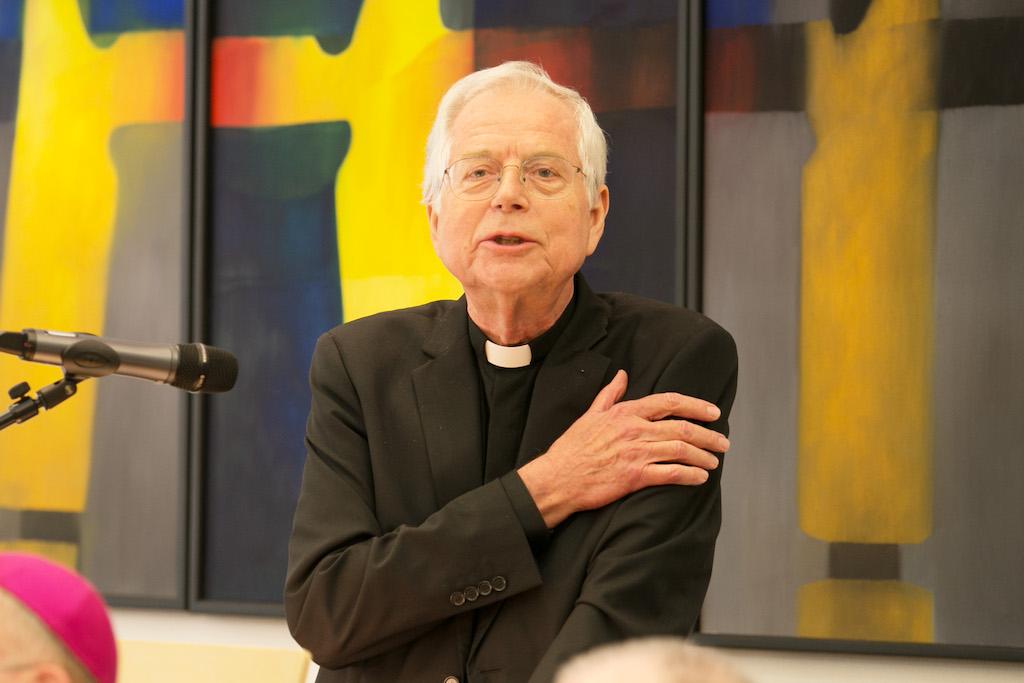 Der Essener PriesterMartin Pischel war Bischöflicher Kaplan des ersten Ruhrbischofs Franz Hengsbach, Personalchef für das pastorale Personal im Ruhrbistum, engagierte sich als Domkapitular für die Essener Kathedrale – und half 1985 eine Erpressung aufzuklären.