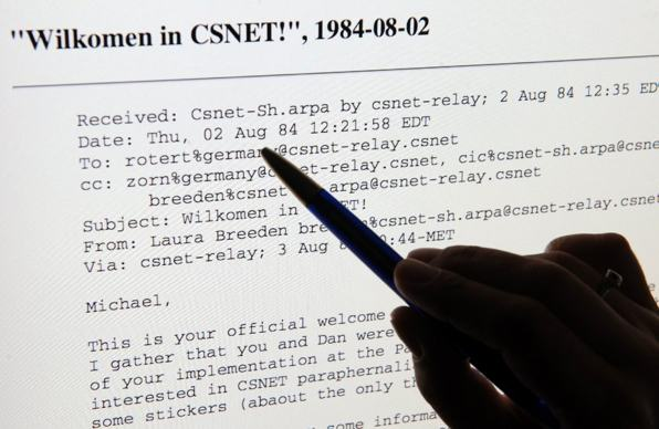 Erste E-Mail
