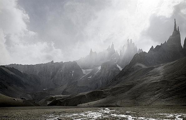 Michael Najjar 'High Altitudes,' Hangseng-80-09, © Michael Najaar