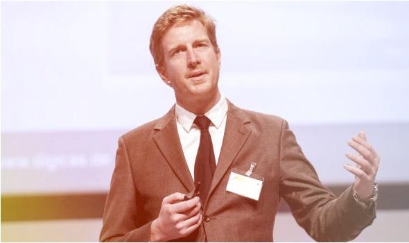"Nicolas Clasen ist Autor des Buchs ""Der digitale Tsunami"" Foto: Thomas Fedra"
