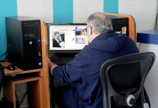 Ein gekünstelter Paparazzi Schuss vom Markle Vater, erweist sich als überraschend ergreifendes Bild.  .Foto: Jeff Rayner/Coleman-Rayner.com