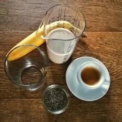 Espresso-im-Mandelmilch-Shake