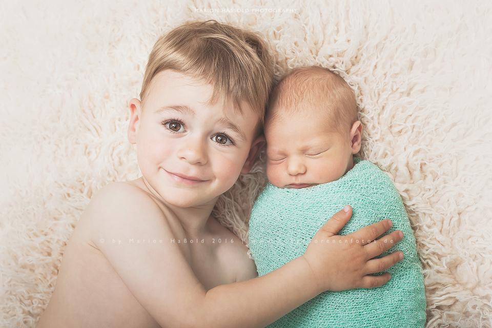06-Babybauchfotos_und_Neugeborenenfotos_Esslingen
