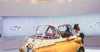 """BMW-Vorstand verantwortlich für """"Entwicklung"""" sagt, dass E-Autos immer teurer als Verbrenner sein werden. Er liegt falsch."""