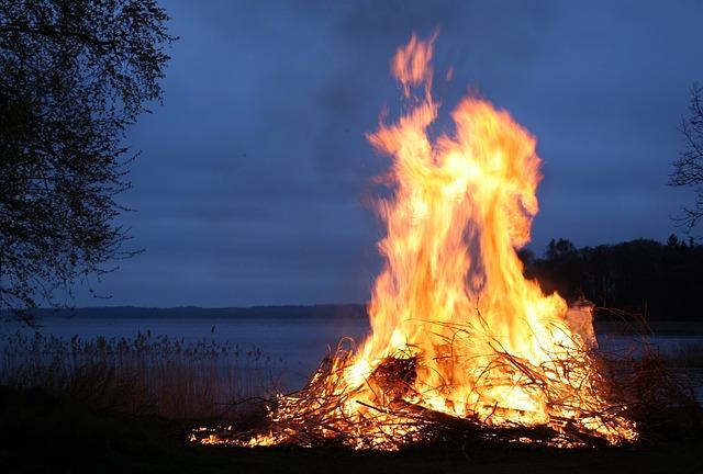 fire-123784_640