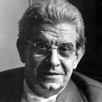 """""""Estou convencido que Freud é Tudo! Todos os psicanalistas devem retornar aos conceitos básicos de Freud: """"Sexo é tudo e tudo é sexo! E aproveita que eu tô calmo…""""Jacques Lacan"""