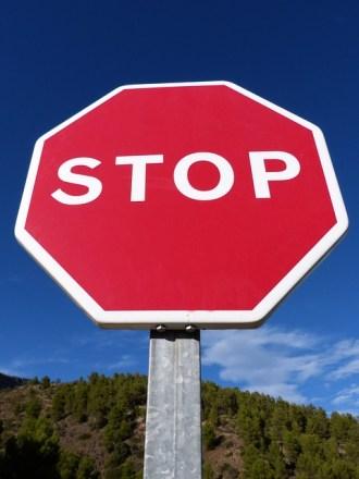 stop-940898_640
