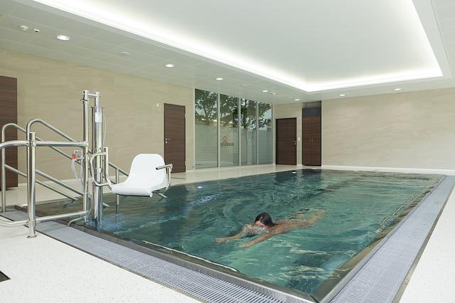 swim-540595_640