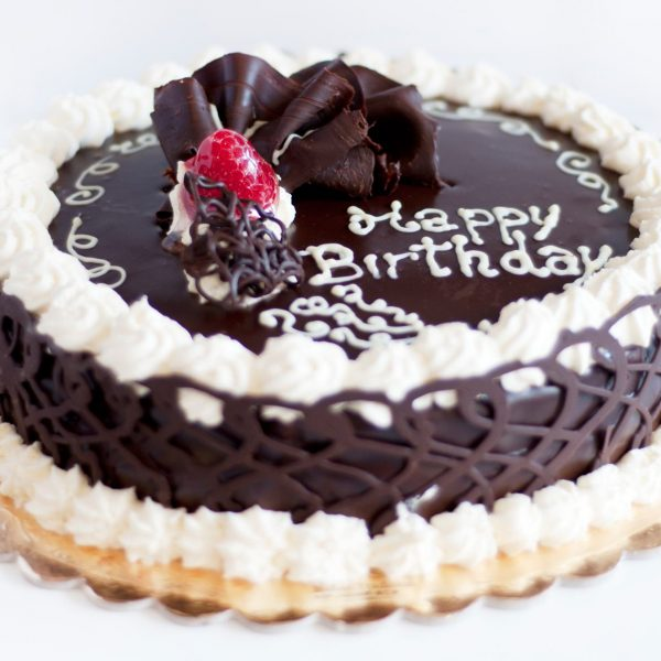 happy-birthday-chocolate-cake-with-berry-600x600