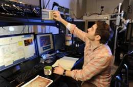 This image shows Daniel Polley in the Amelia Peabody Neural Plasticity Unit of the Eaton-Peabody Laboratories.