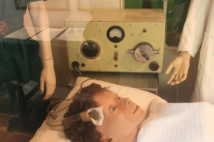 Image shows an electroconvulsive therapy machine on display at Glenside Museum.