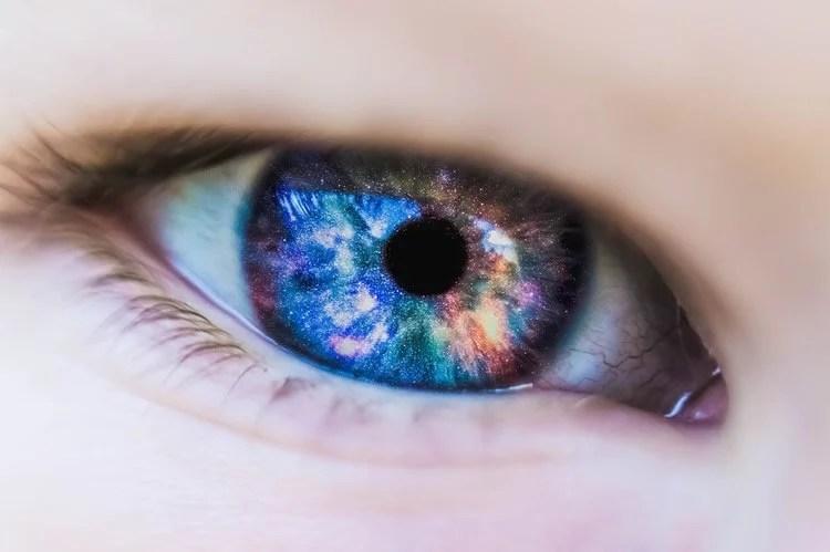 Image shows an eye.