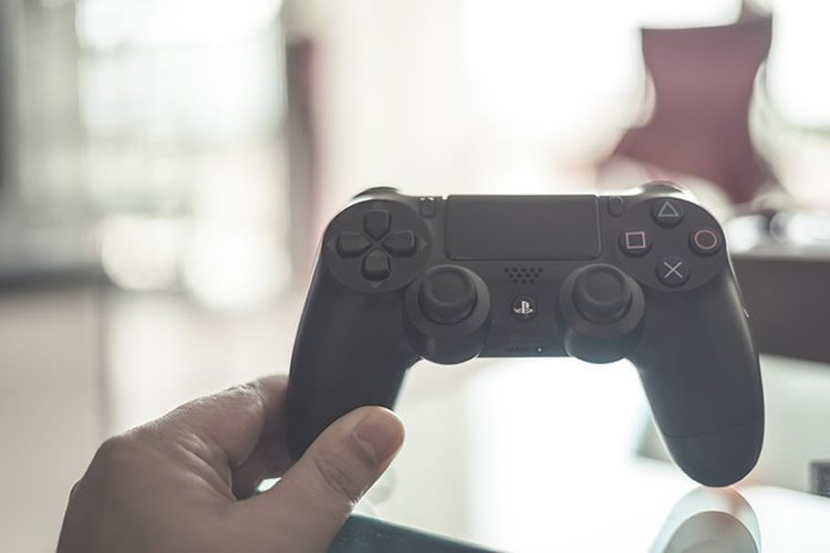 Playing With Your Brain: The Negative Impact of Action Video Games