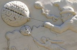 Image shows a brain made of sand.