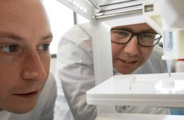 the researchers printing the 3D cornea