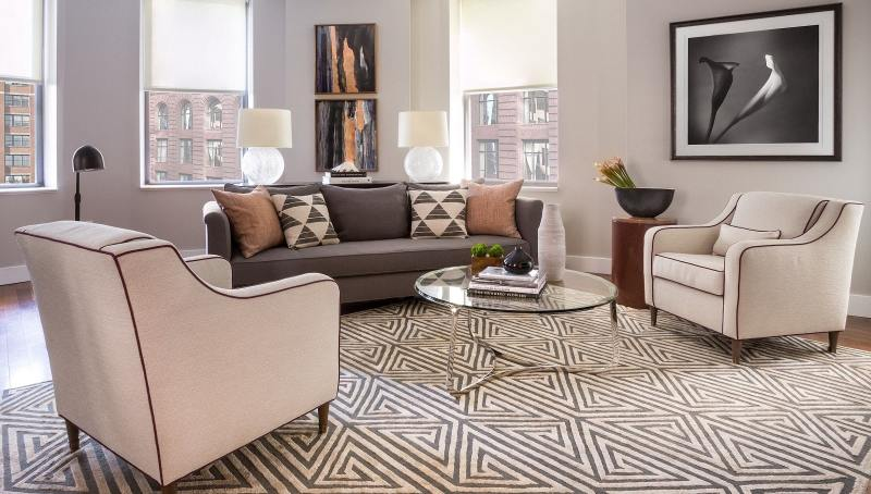 Graphic rug in living room