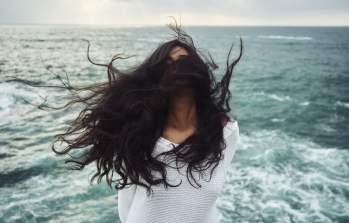 A importância de usar cosmética natural no cabelo