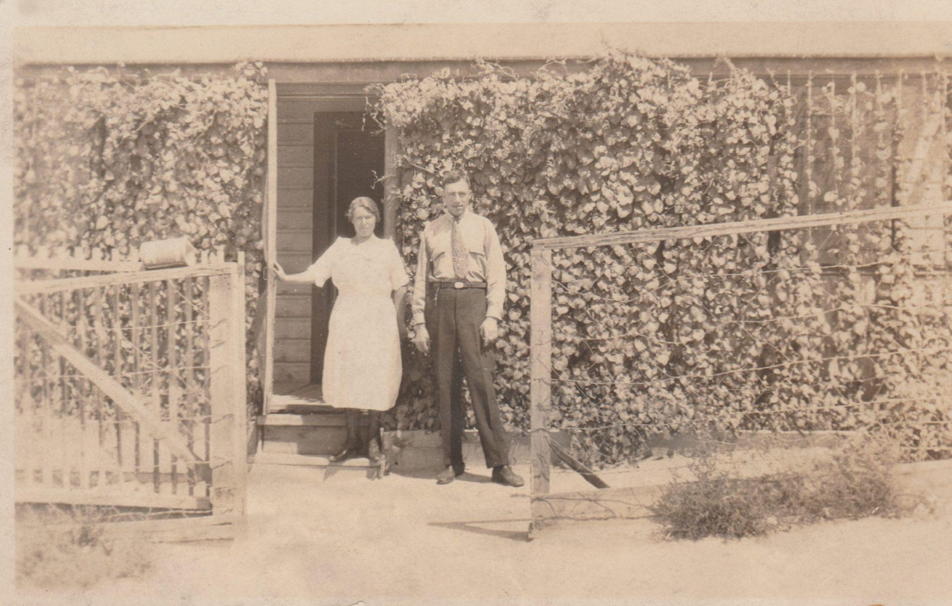 Irma Vangheluwe and Charles Kerckhove in Tonopah, 1921.