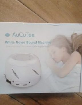 White noise sound machine | neveralonemom.com