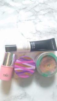 Face makeup |neveralonemom.com